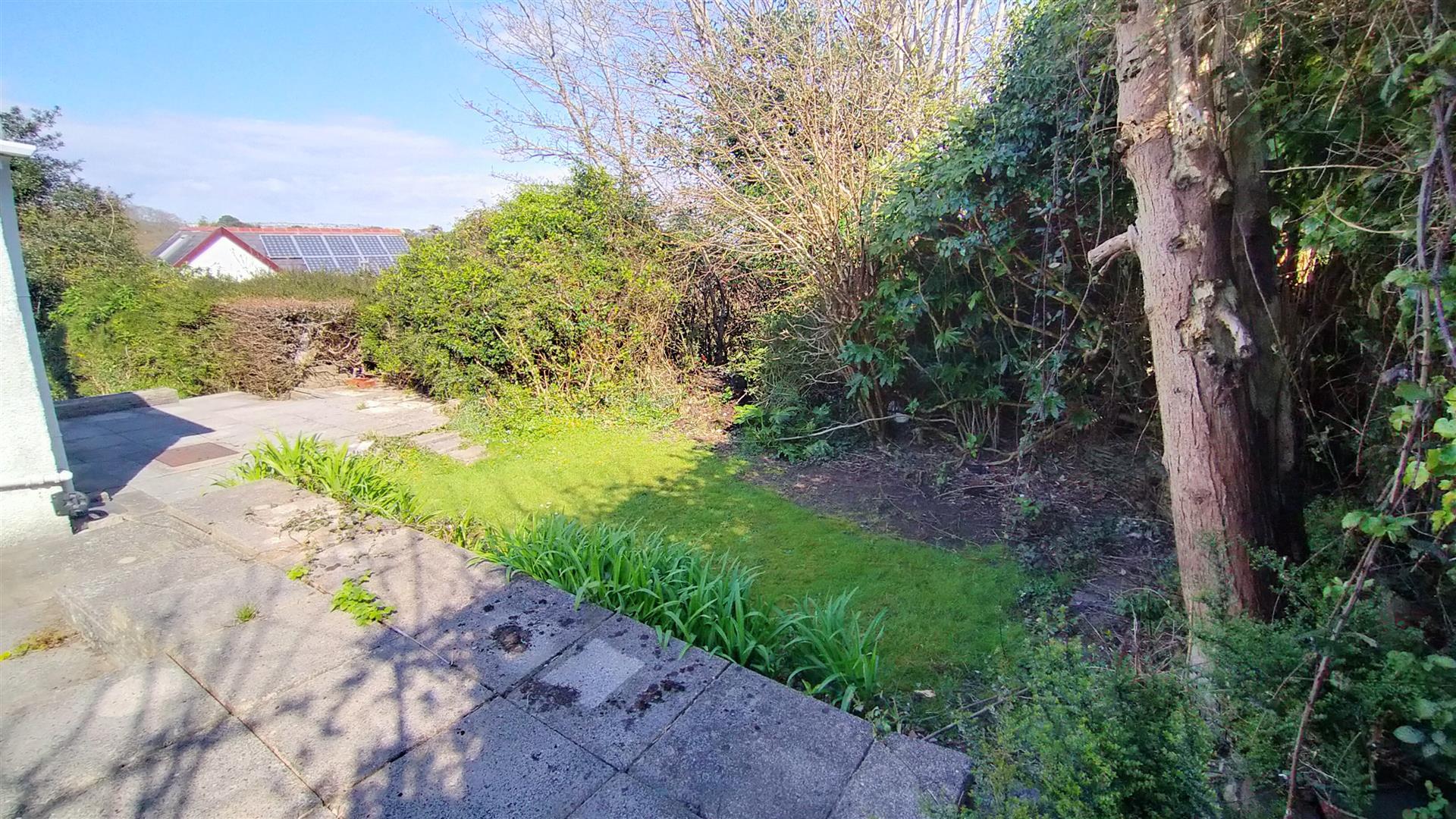 Long Acre Gardens, Mayals, Swansea, SA3 5JS